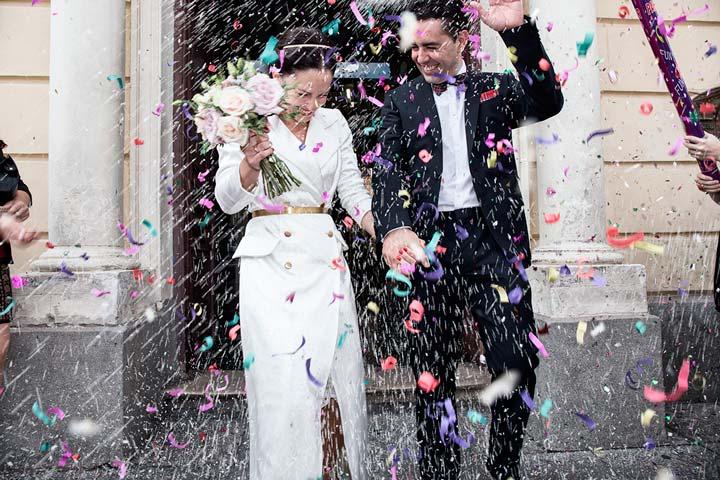 """7a49a500d Vestido-abrigo en cerp con cinturón y botones dorados para boda civil. """""""